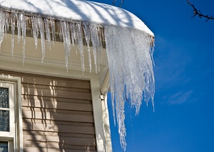 Ice damming on a NY, CT, PA, and NJ home's roof and gutters
